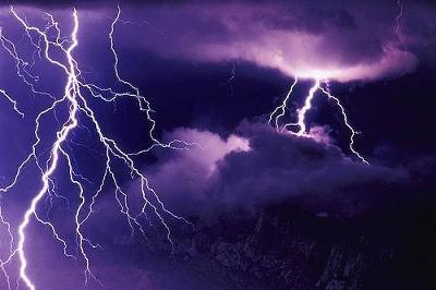 lightning02.jpg
