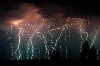 lightning14.jpg