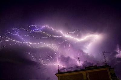 lightning18.jpg