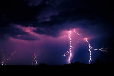lightning25.jpg